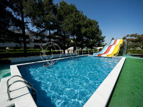 Бетонный бассейн прямоугольной формы