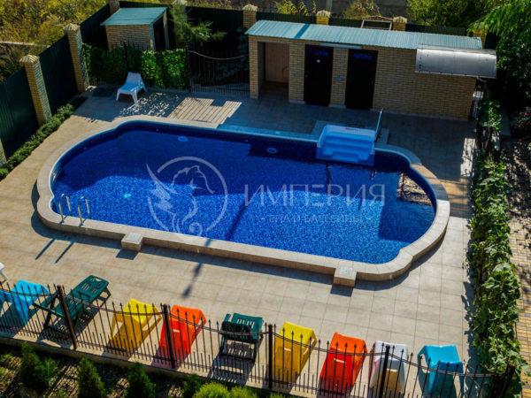 Бетонный бассейн в Римском стиле