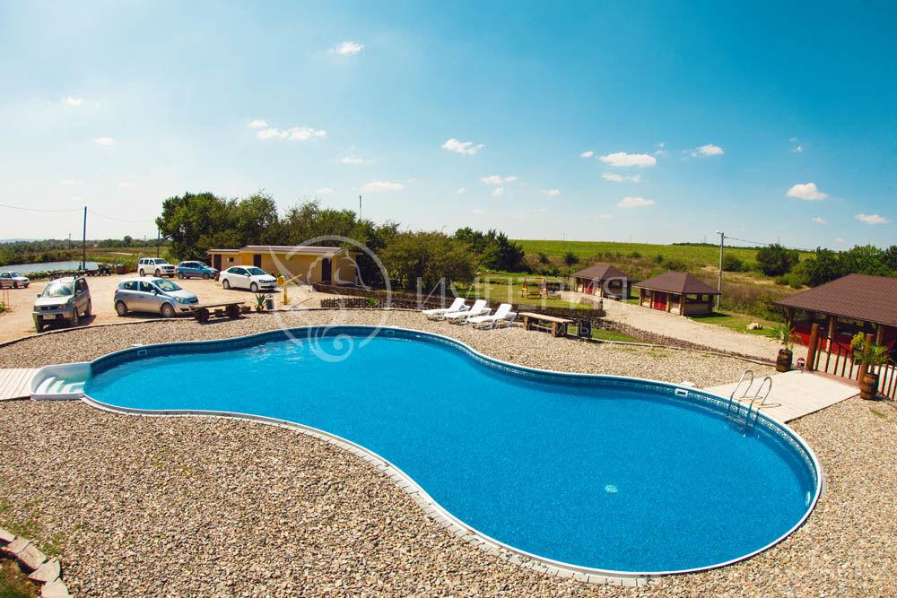 Панельный бассейн в Тосканском стиле